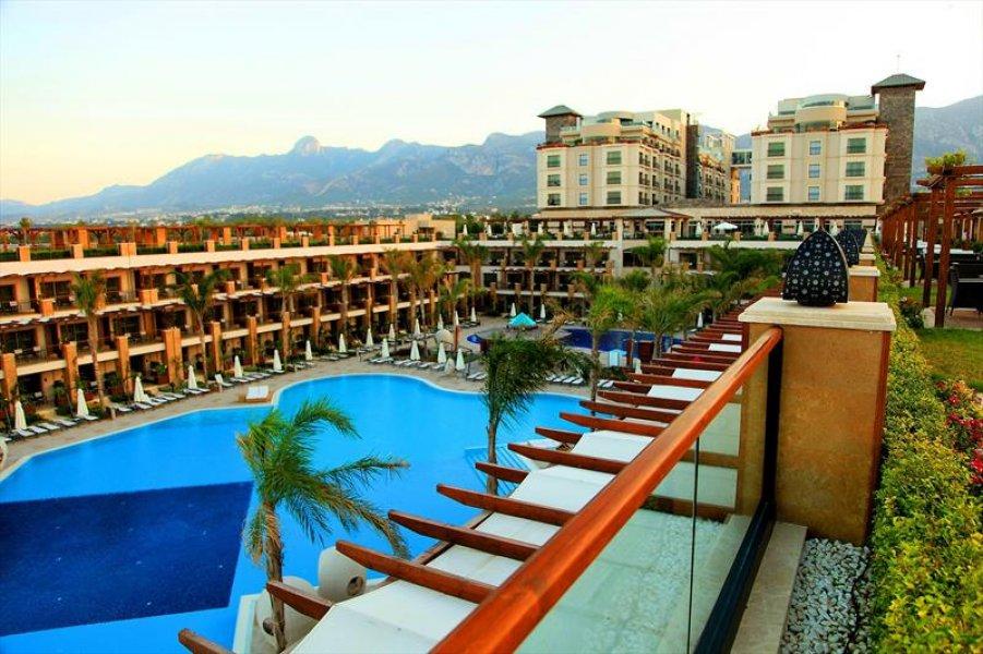 Cratos Premium Hotel Casino Part Spa / Girne